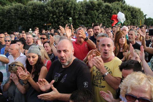 La manifestazione di via Canova (Marco Mori / New Press Photo)
