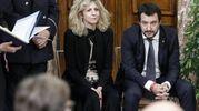 Barbara Lezzi, ministro per il Sud, e Matteo Salvini (Ansa)