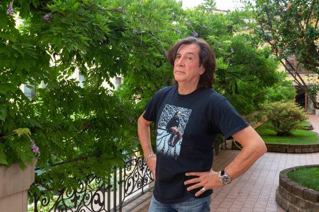 Maurizio Solieri nella sede de Il Giorno (Newpress)