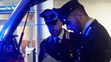 Carabinieri impegnati in un'operazione di controllo del territorio (foto d'archivio)