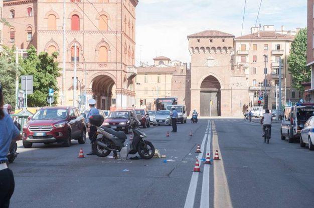 I birilli rossi a segnare il luogo dell'incidente (FotoSchicchi)