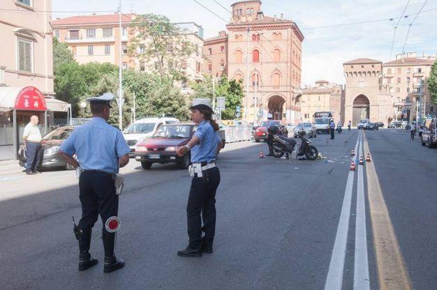 Due agenti della municipale (FotoSchicchi)