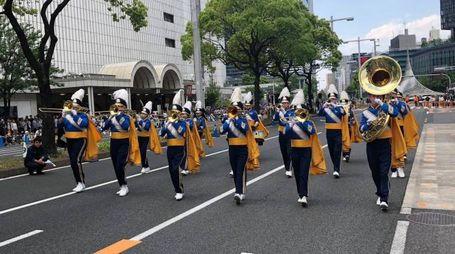 La marching band sfileranno in centro e sul lungolago