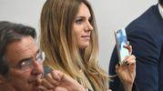 Un primo piano di Angela durante la presentazione di Inzaghi (FotoSchicchi)