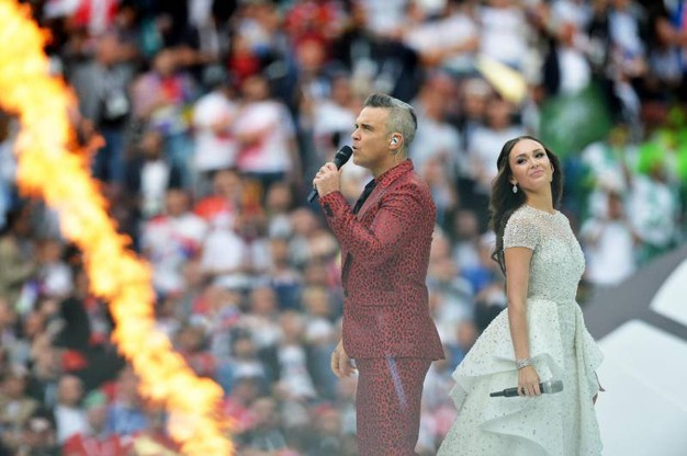 Robbie Williams e Aida Garifullina (Ansa)