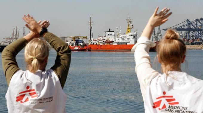 La nave Aquarius arriva a Valencia (Ansa)