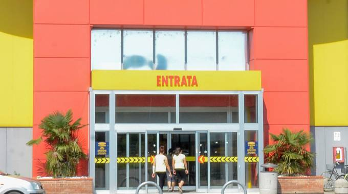 Mercatone Uno, l'ex gigante dell'arredamento alle porte di Lodi sarà chiuso