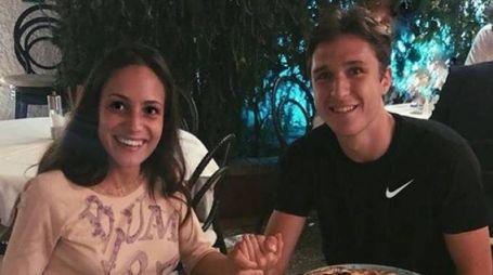 Federico Chiesa con la fidanzata Caterina a Capri