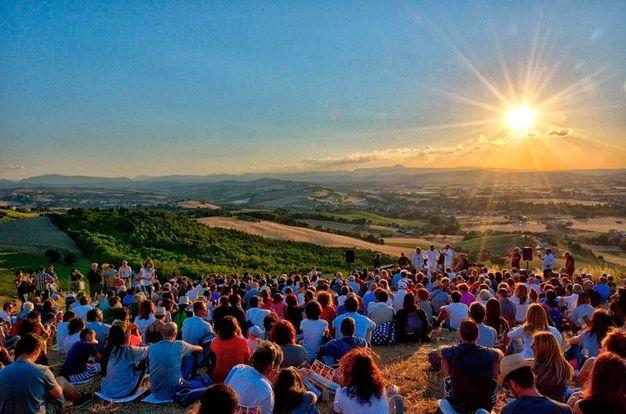 """""""Teatrando di Paglia"""", festival sulle colline tra Monte San Giusto e Montegranaro"""