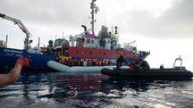La nave Lifeline (Ansa)
