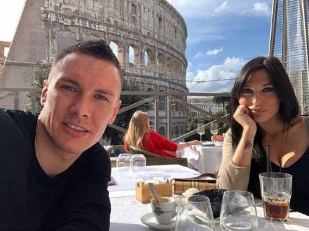 Un pranzo all'ombra del Colosseo (foto da Instagram)