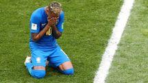 Neymar piange dopo il gol del 2-0 (Ansa)