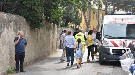 Un momento dello sgombero in via San Gaetano (Foto Novi)