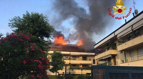 Arese, incendio palazzina in via Cantù