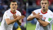Granit Xhaka e Xherdan Shaqiri, origini kosovare, festeggiano il gol alla Serbia (Ansa)
