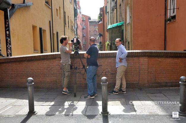 Gli Amici delle vie d'acqua e dei sotterranei di Bologna Massimo Brunelli e Davide Sandri hanno avuto il ruolo di ciceroni con bussola e Anna Brini ha messo nero bianco il canovaccio storico-artistico dell'intera puntata