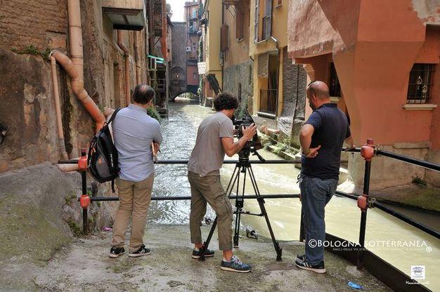 Ecco che le telecamere hanno puntato i loro obbiettivi sugli affacci del canale Reno in via Piella, Malcontenti e Oberdan