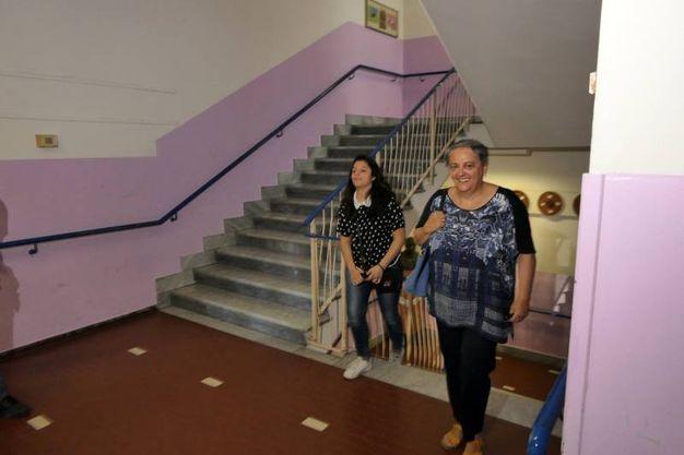 Il sindaco uscente, la dem Valeria Mancinelli, sostenuta dal centrosinistra, arriva ai seggi (foto Emma)