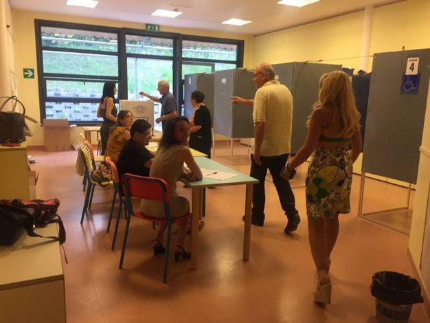 Chiamati al voto 19.874 elettori in 19 sezioni (foto Colibazzi)