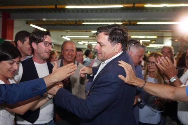 Giovannetti festeggia la vittoria a Pietrasanta (foto Umicini)