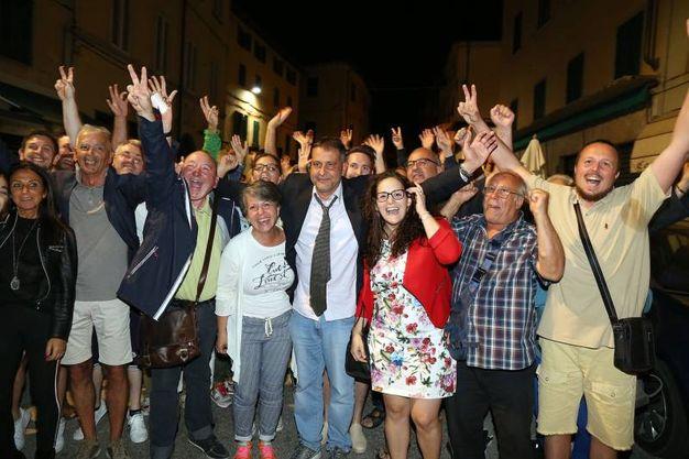 Giurlani festeggia la vittoria (Goiorani)