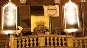 Al balcone del Comune (Isolapress)