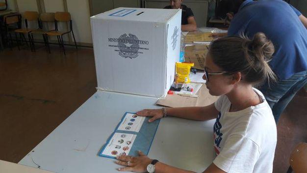 La sfida al ballottaggio a Falconara era tra Stefania Signorini e Marco Luchetti (foto Pascucci)