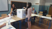 I cittadini di Falconara ai seggi (foto Pascucci)