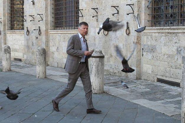 De Mossi in Comune il lunedì mattina (Foto Dipietro)
