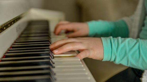 La musica aìiuta a capire la lingua più della lettura - foto neiFo Pixabay