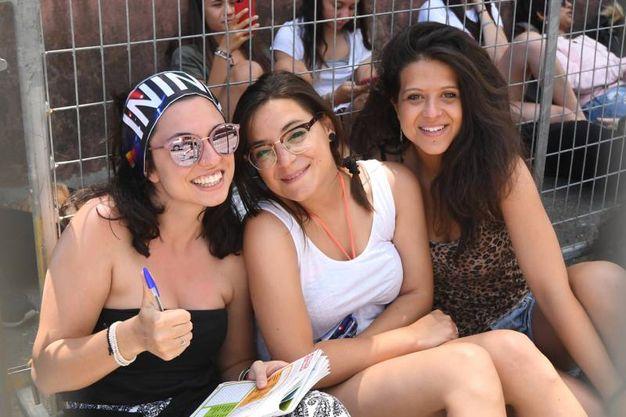 Tante le ragazze accorse per Cesare Cremonini (foto Schicchi)