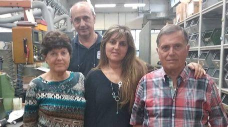 Al centro Claudia Poli: con lei i genitori Elena Obici e Dante Poli, fondatore dell'azienda, e il marito Giorgio Zaniboni