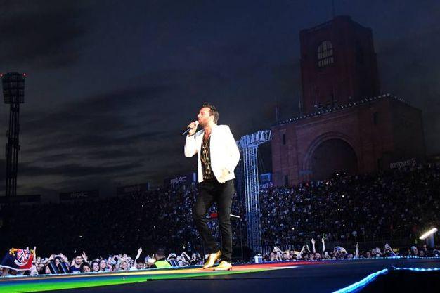 Un'emozione incredibile per Cremonini nella sua Bologna (Schicchi)