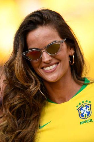 Izabel Goulart sugli spalti per Serbia-Brasile (LaPresse)