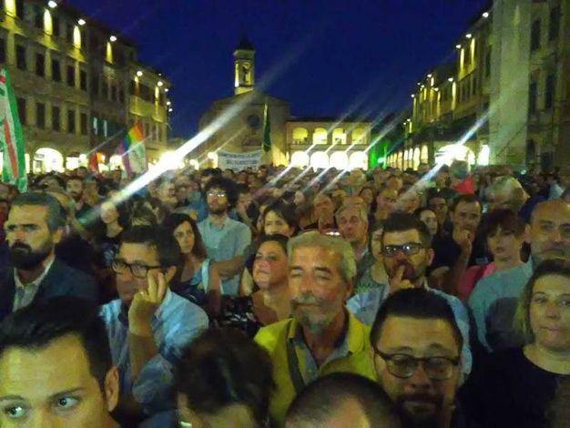 Figline, migliaia di persone alla manifestazione contro i licenziamenti alla Bekaert (Sanesi/Germogli)