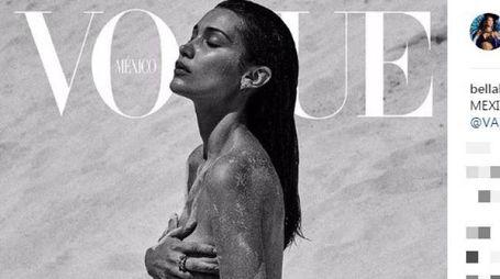 Bella Hadid sulla copertina di Vogue Mexico (Instagram)