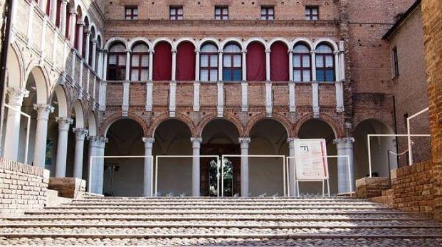 Palazzo Costabili Ferrara foto copyright Daniele Borgia