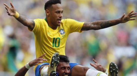 Brasile-Messico 2-0 (Ansa)
