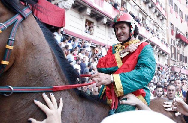 Siena, il Drago vince il Palio di Provenzano (foto Paolo Lazzeroni)