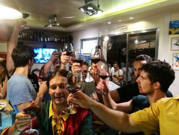 Il primo brindisi dopo la vittoria per Brio (foto Laura Valdesi)