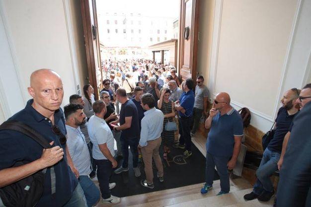 Bekaert, la manifestazione in piazza della Repubblica a Firenze per chiedere lo stop ai licenziamenti (Cabras/New Press Photo)