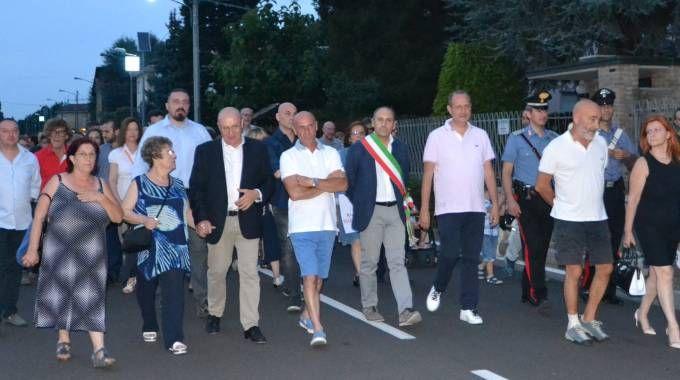 Ancheil sindaco e molti abitanti del paese parteciparono alla camminata in solidarietà di papà Marcello