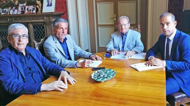 Da sinistra Vito Tisci, il sindaco Paolo Lucchi, Dionigio Dionigi e l'assessore Christian Castorri