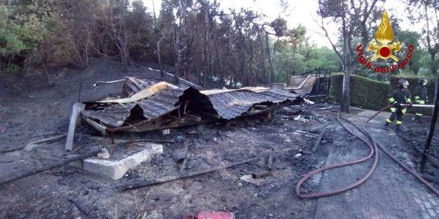 L'incendio al villaggio Rosolina Mare club
