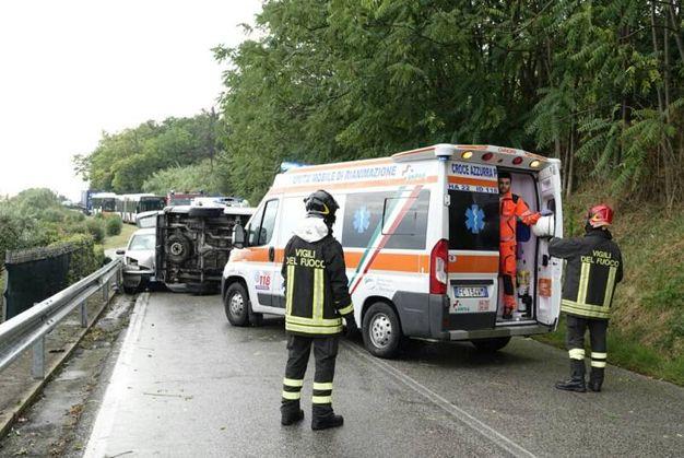 Vigili del fuoco a ambulanza sul posto (foto Zeppilli)