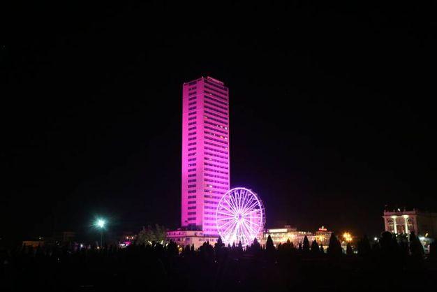 Il grattacielo rosa (Ravaglia)
