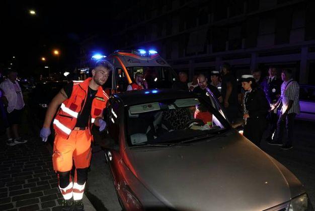 Sul luogo sono subito stati prestati i soccorsi dal personale medico e sanitario del 118 (Foto Zeppilli)