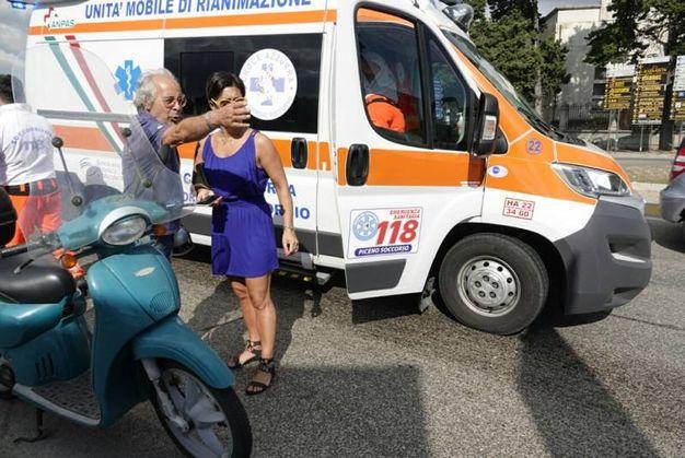 Porto San Giorgio, anziano scivola in scooter su una scia di gasolio (Foto Zeppilli)