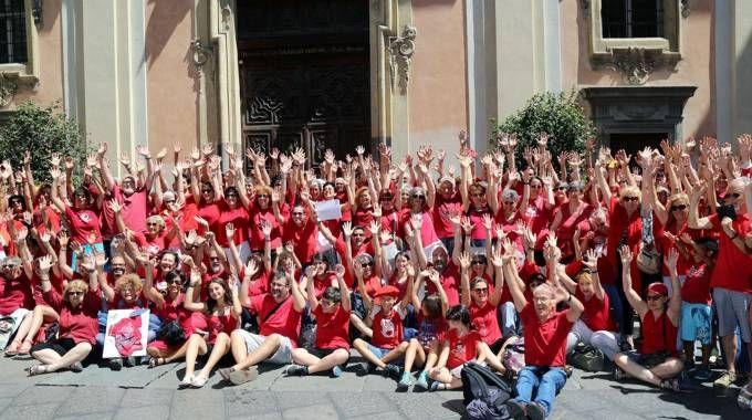 Il flash mob di Torino (Foto Ansa)