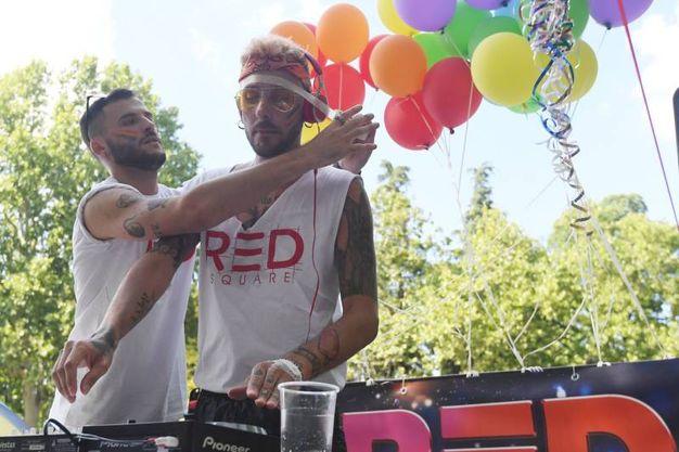 Il gay pride a Bologna (Schicchi)